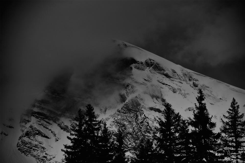 Massif des Hauts Forts dans les nuages